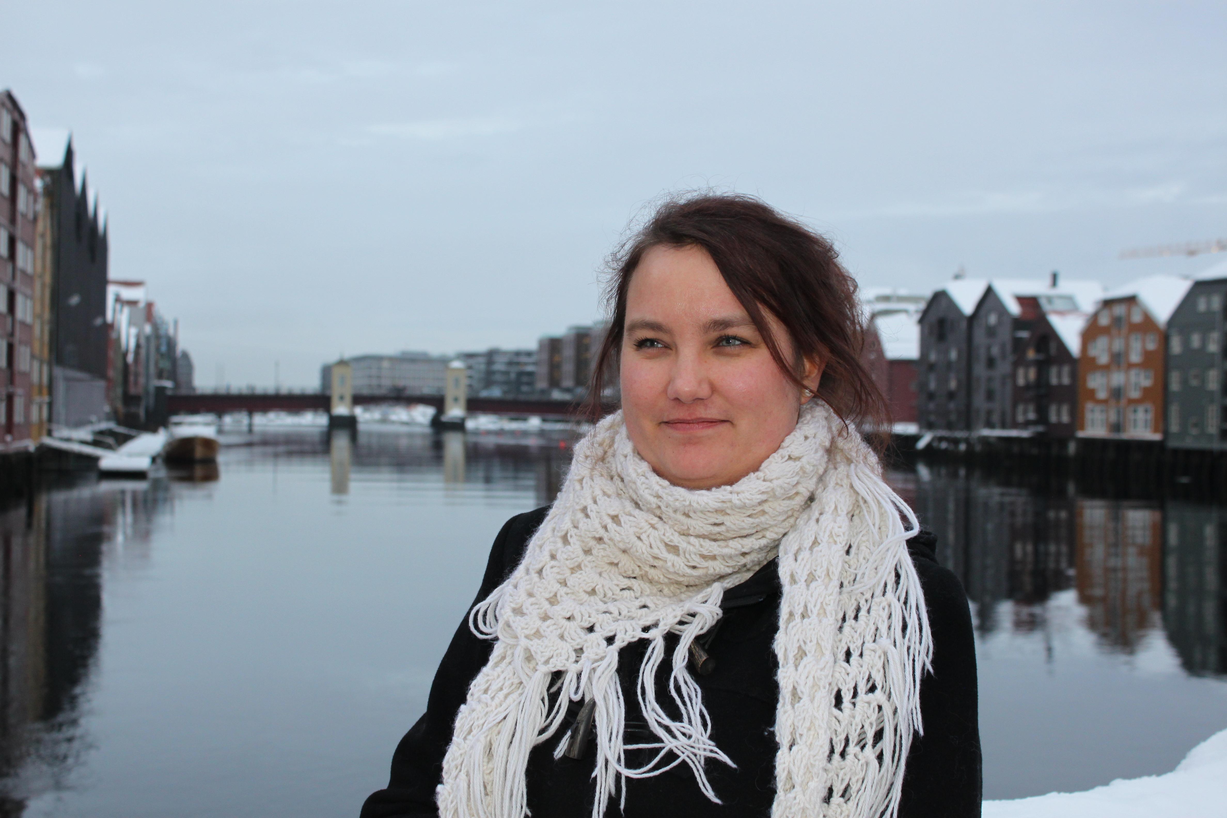 INTERESSANTE FUNN: Prosjektleder Juni Raak Høiseth ved KBT-MidtNorge. (Foto: Dagfinn Bjørgen)