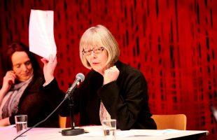 TYDELIGE KRAV: Vi krever at de holder fristen, sa statssekretær Anne-Grete Erlandsen på Erfaringskompetanses paneldebatt. (Fotos: Per Åge Eriksen)