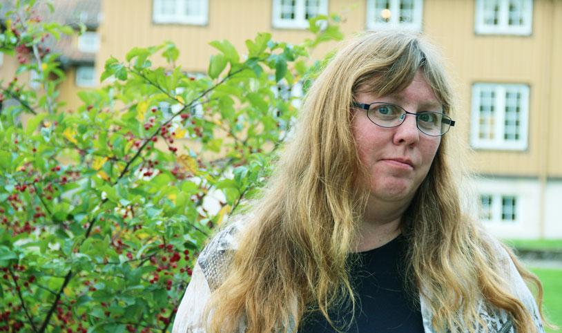 """ARTIKKELFORFATTER: Arnhild Lauveng bidrar med en artikkel i Erfaringskompetanses jubileumsbok """"Levd liv"""".  Her er et utdrag. (Foto: Astrid Borchgrevink Lund)"""